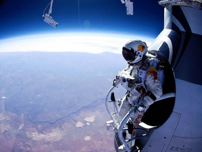 Felix at 128,000 ft.