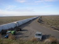 800px-Northern_leg_of_LIGO_interferometer_on_Hanford_Reservation
